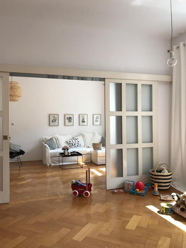 Schiebetüren Wohnzimmer altbau mit schiebetüren und fischgrätparkett so lieben wir das