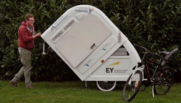camping auf zwei r dern ebike caravan camper. Black Bedroom Furniture Sets. Home Design Ideas