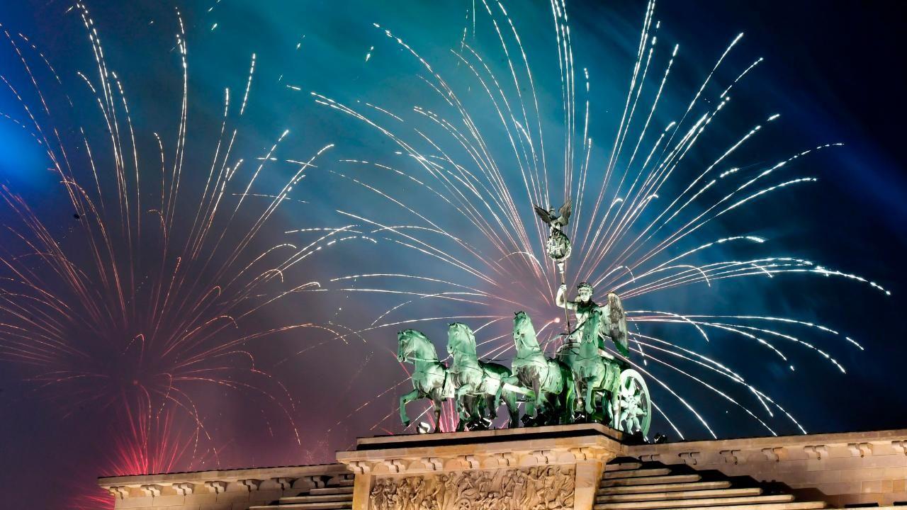 Neujahr Zum Nachlesen So Feierte Die Welt Silvester Silvester Neujahr Neujahr Silvester