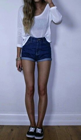 Simple outfit with high wasted shorts, plain t, n Vanz