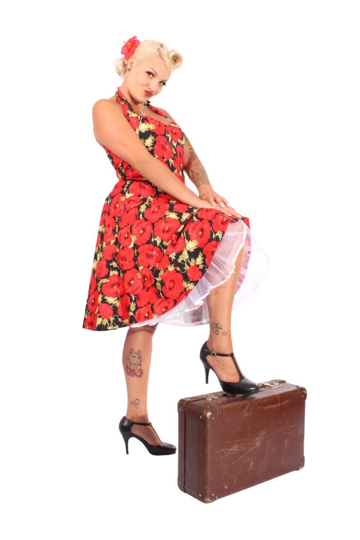 Mit Diesem Knalligen Mohnblumen Neckholder Kleid Bringen Wir Farbe In Das Triste Wochenende Let It Rock Euer Team Von Neckholder Kleid Swing Kleid Kleider