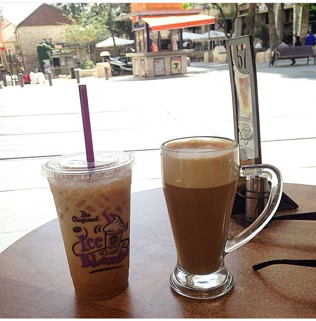Iced And Hot Soy Lattes In At The Coffee Bean And Tea Leaf On Yafa Street In Jerusalem Perfection On A Beautiful Sunny Tea Leaves Coffee Beans Savoury Dishes