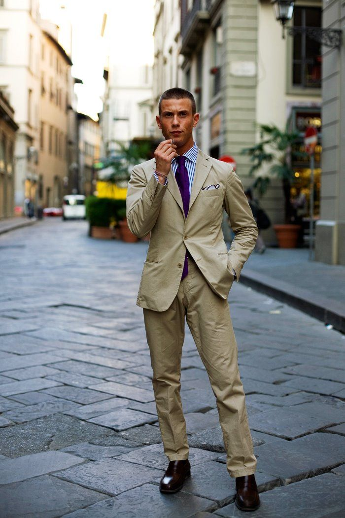 This, ladies and gentlemen, is exactly how to rock a linen suit ...