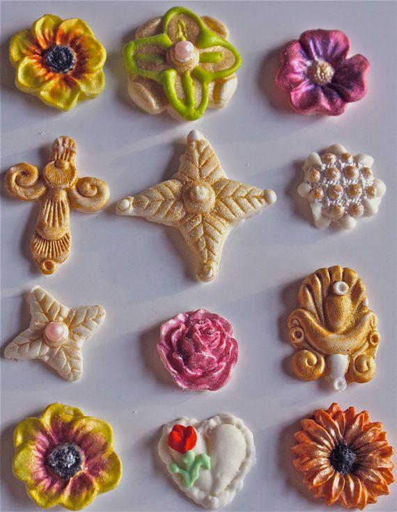 Cake pop decorations-gumpaste decorations-gumpaste flowers-- candy buttons-food crafting-cupcake decorations-baking