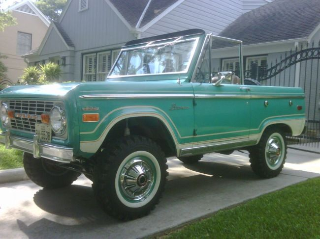 Pin By Larry Romero On Trucks So Kool In 2020 Early Bronco Classic Bronco Broncos Pictures