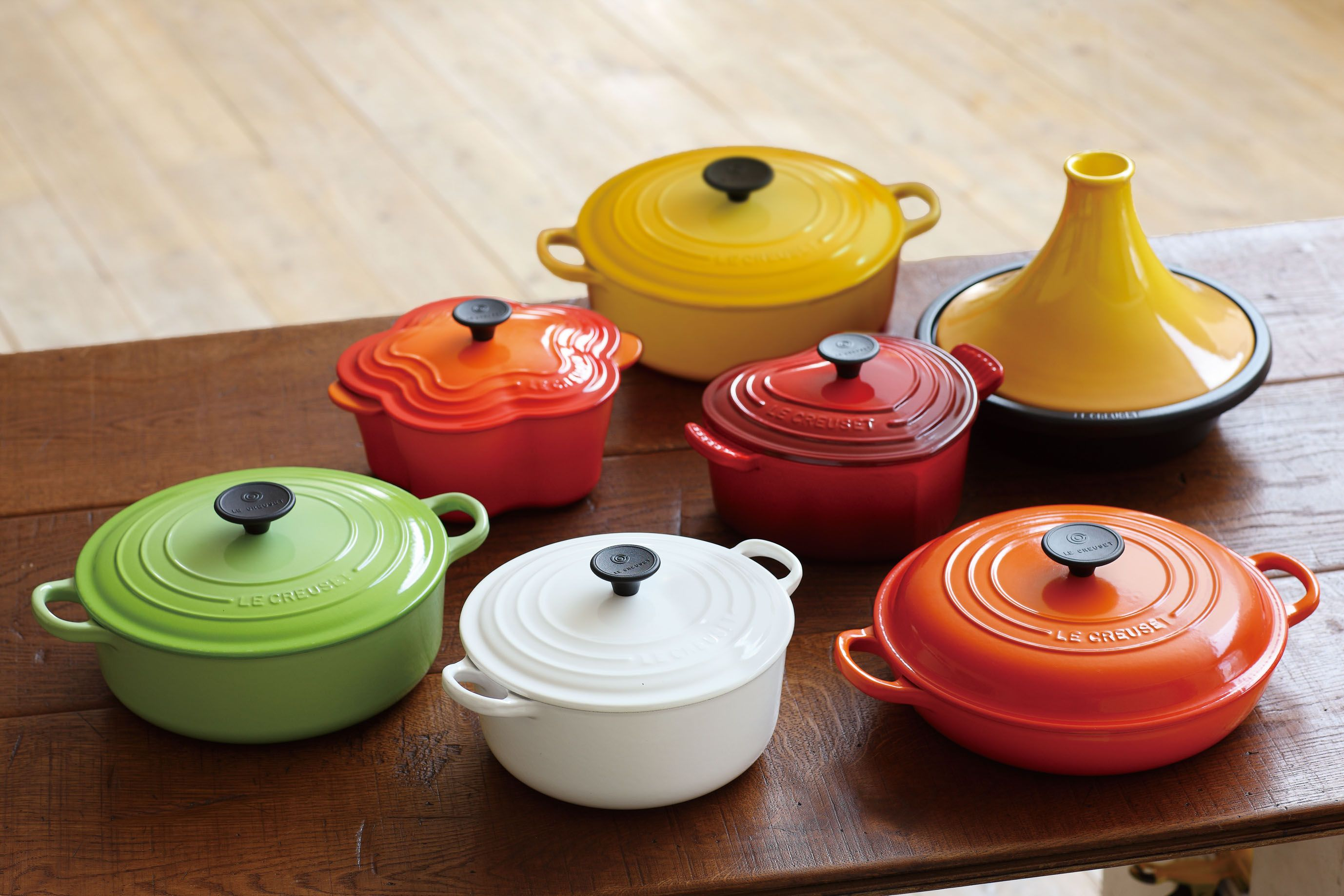 ル・クルーゼの色々なお鍋。  http://www.lecreuset.co.jp/onlineshop/