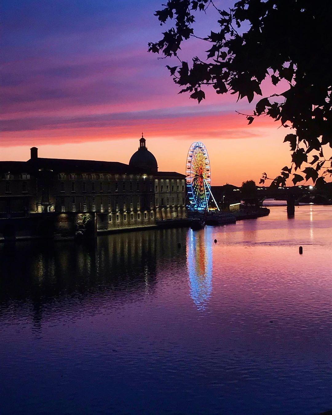 Coucher Du Soleil Toulouse : coucher, soleil, toulouse, Coucher, Soleil, Toulousain, Toulouse,, Landmarks,, Mahal