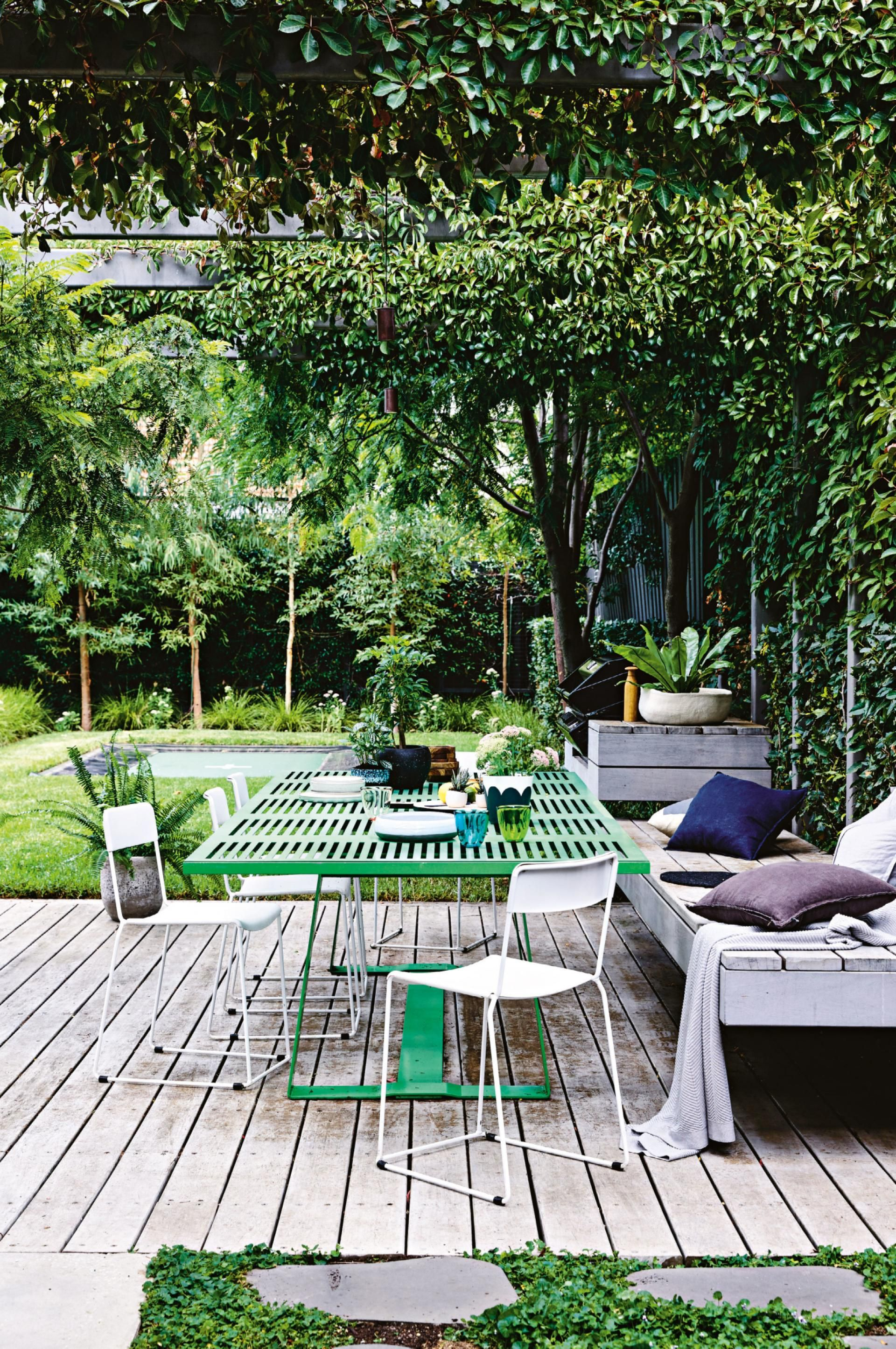 Slow and steady renovating isn 39 t a race to the finish - Patios exteriores decoracion ...