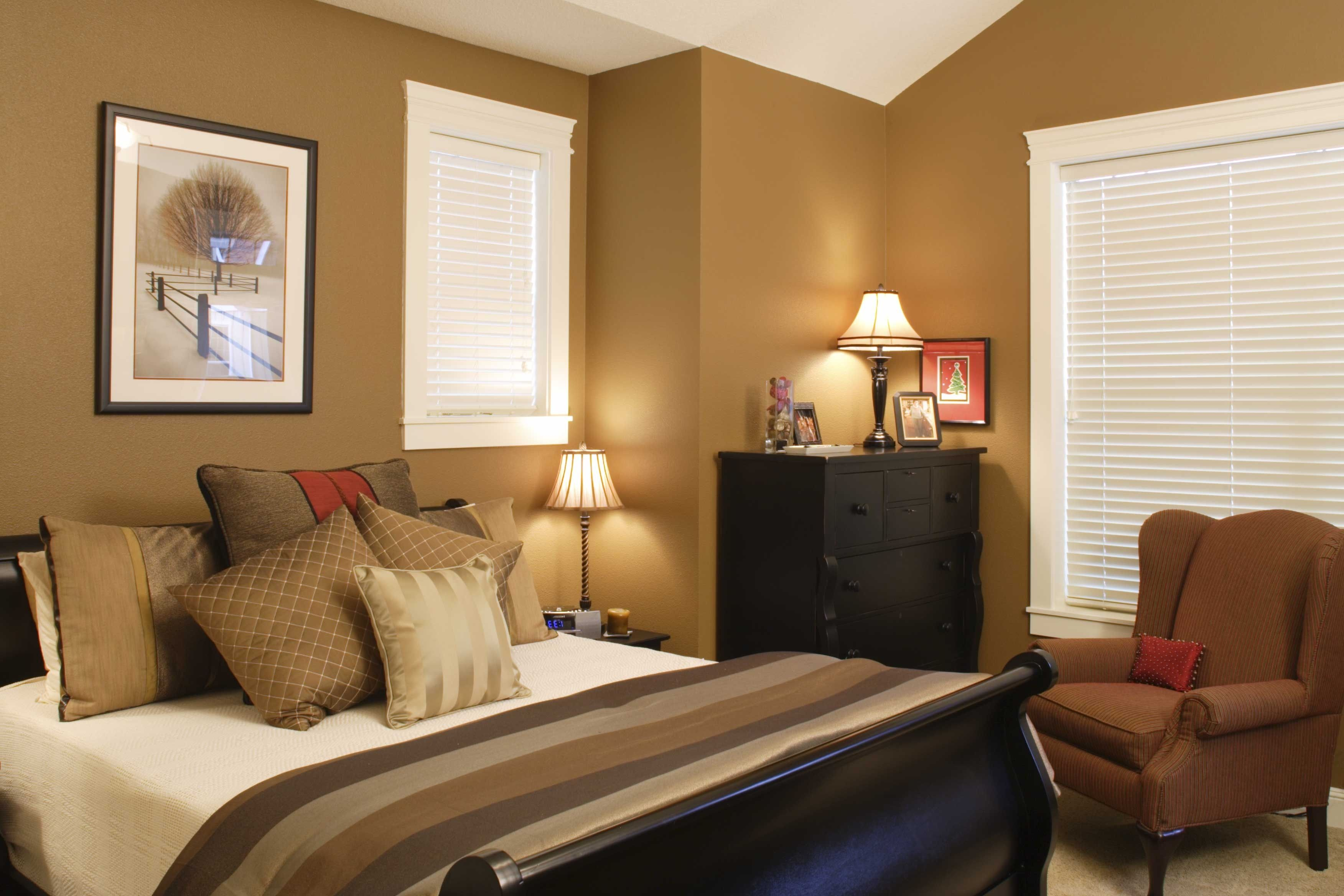 Paint & Colors, How To Combine Best Colors To Paint A Bedroom Ome ...
