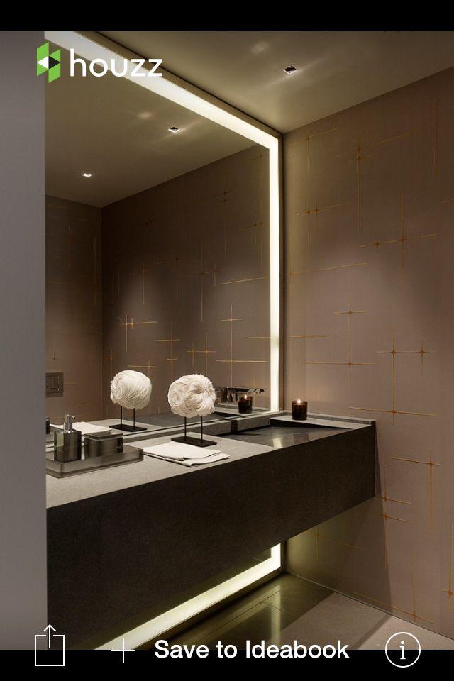 Badspiegel mit breiter Rundum-Beleuchtung vom Boden bis zur Decke - badezimmerspiegel mit tv
