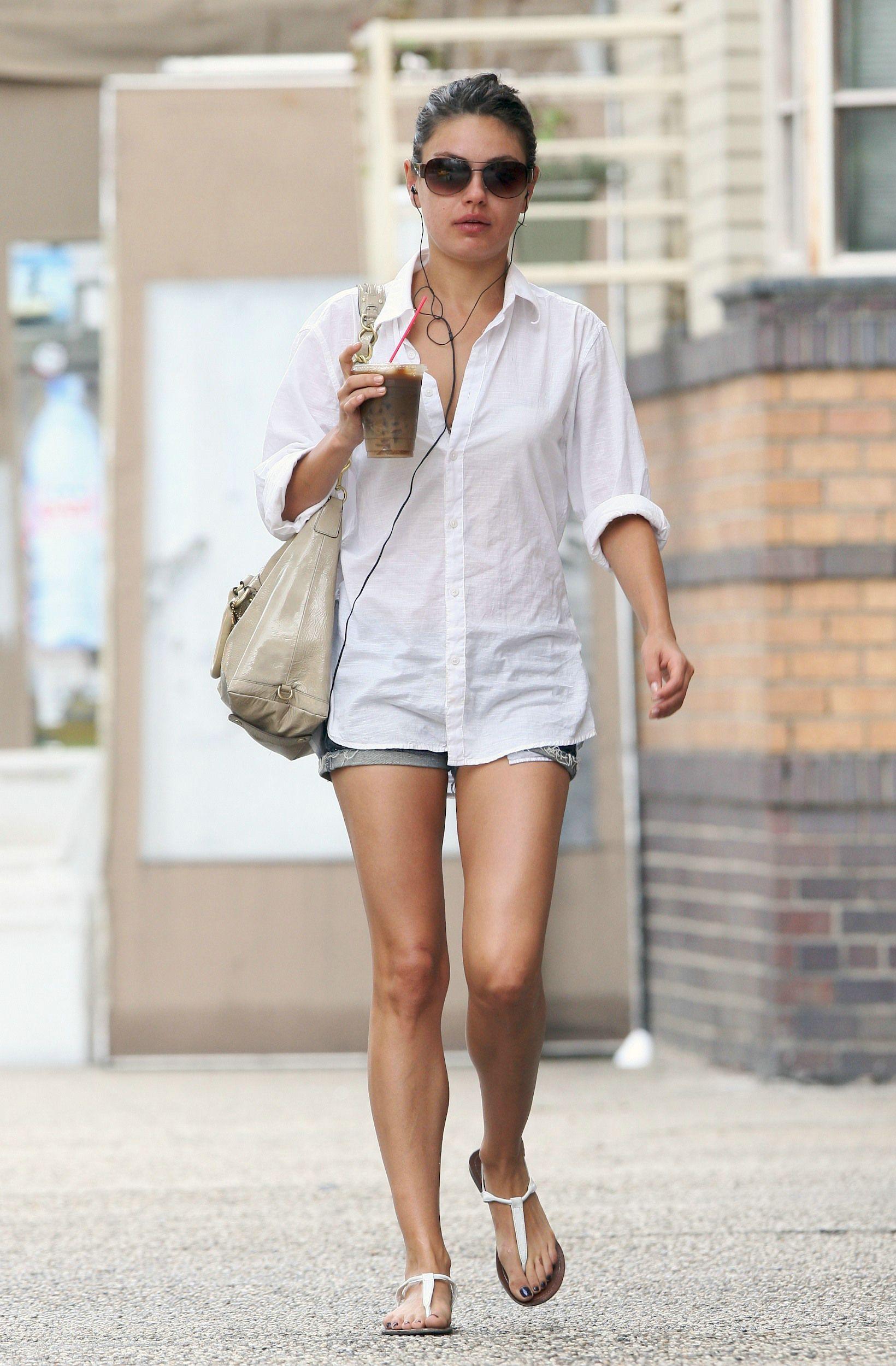 0f7e5db950fd8 Mila Kunis Short Outfits