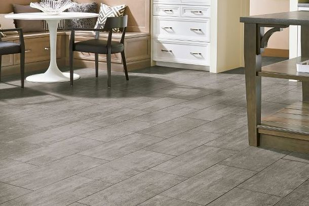 Why You Should Opt For Vinyl Laminate Flooring Yonohomedesign Com In 2020 Vinyl Wood Flooring Armstrong Vinyl Flooring Flooring