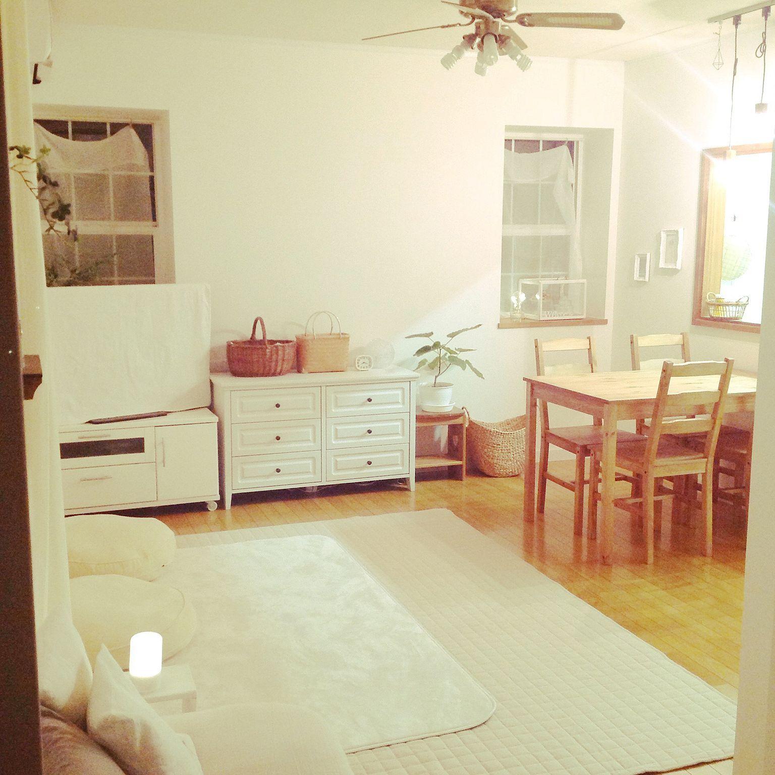 部屋全体 模様替え ダイニングテーブル もちもちクッション 照明
