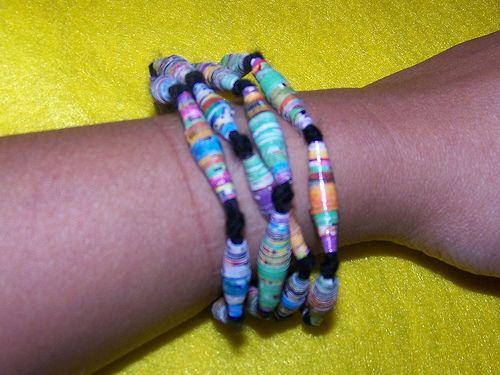 Rolled magazine beads