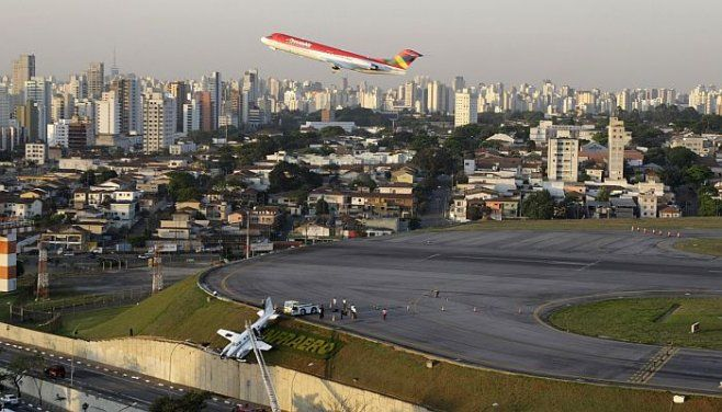 An Avianca jet takes off from Congonhas (CGH) airport. São Paulo, Brazil.