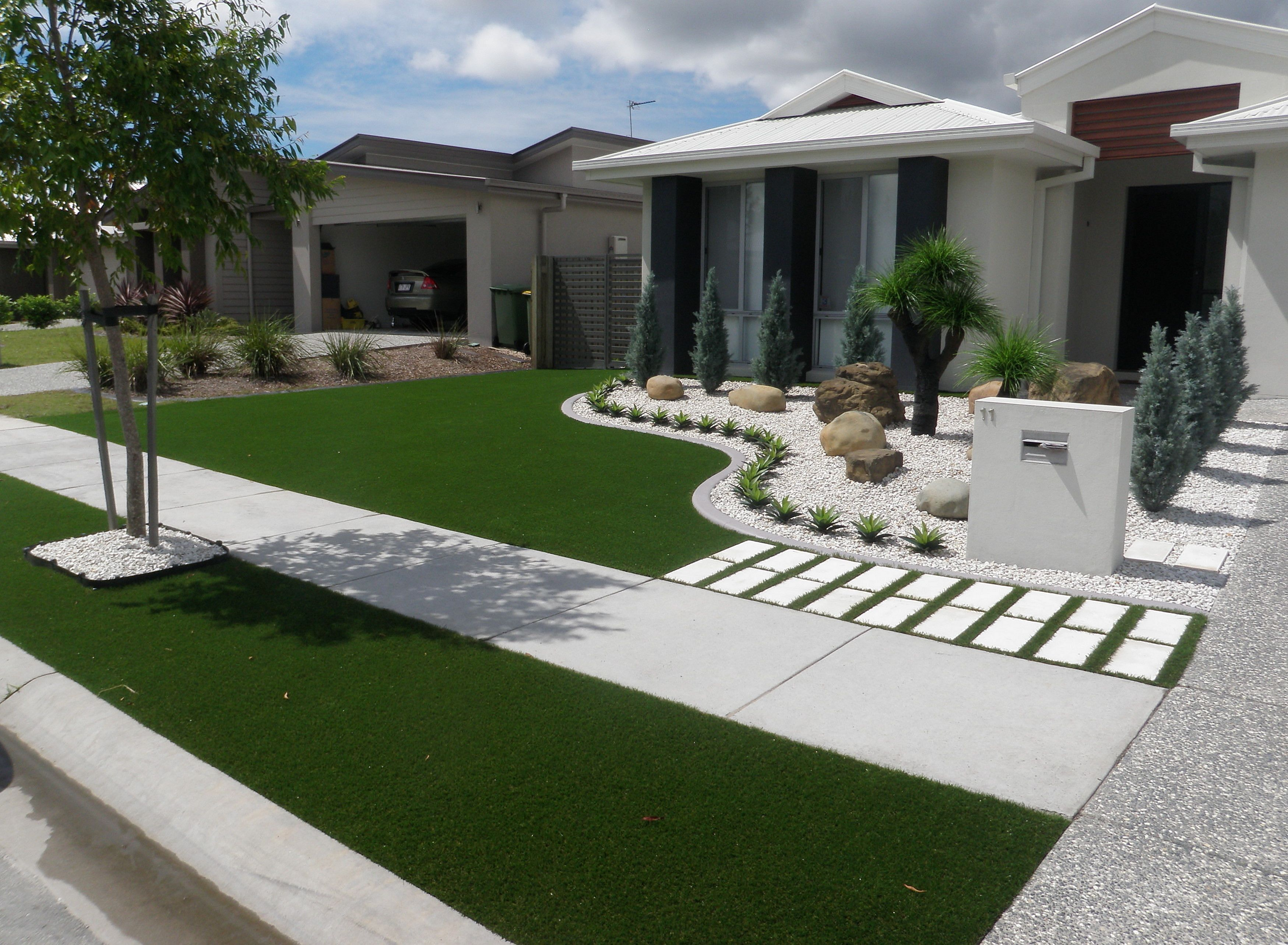 12 Best And Wonderful Modern Front Yard Landscaping Design Ideas