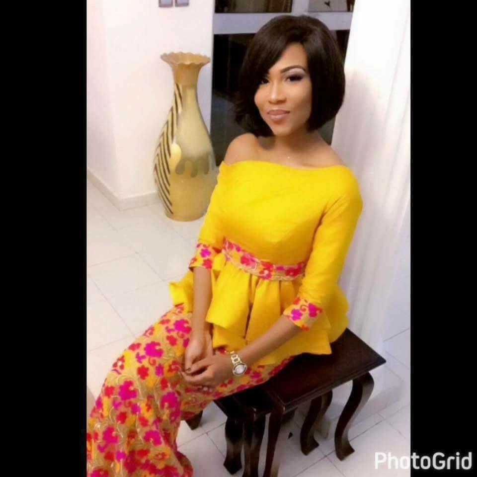 Mokoto jaune | Mode africaine, Mode africaine robe, Modele tenue africaine