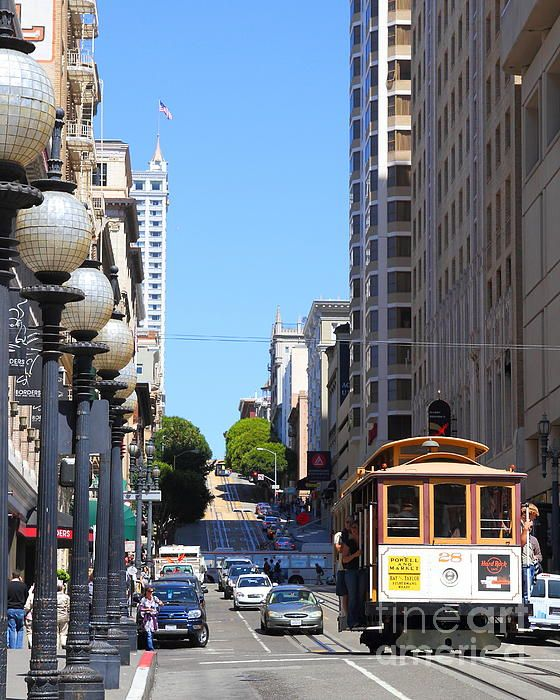 San Francisco Cablecar on Powell Street