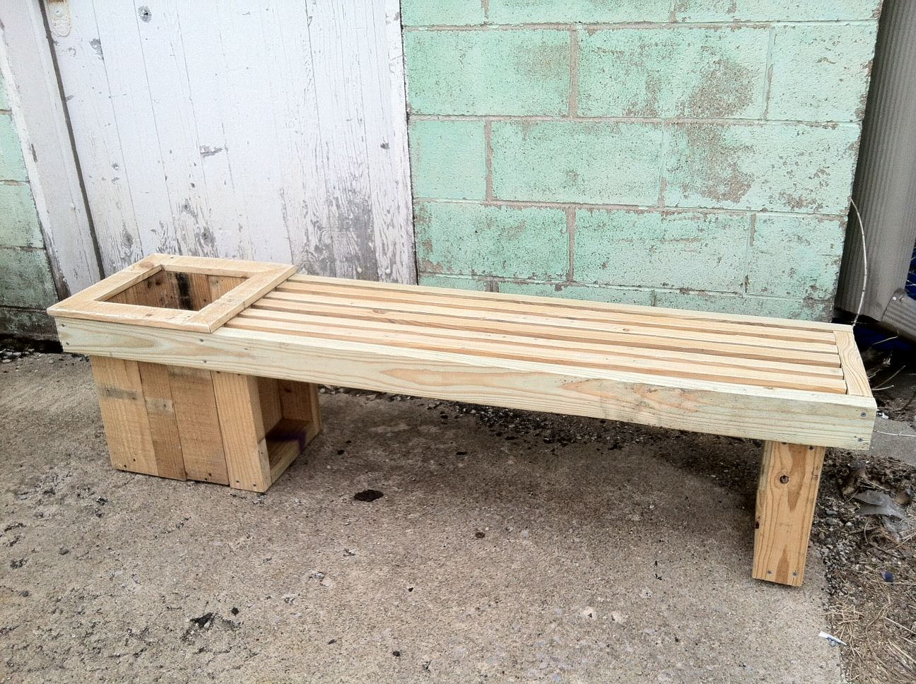 Pallet Bench And Flower Box Reclaimed Lumber Planter Box And Bench Projekte Aus Altholz Projekte Diy Holz