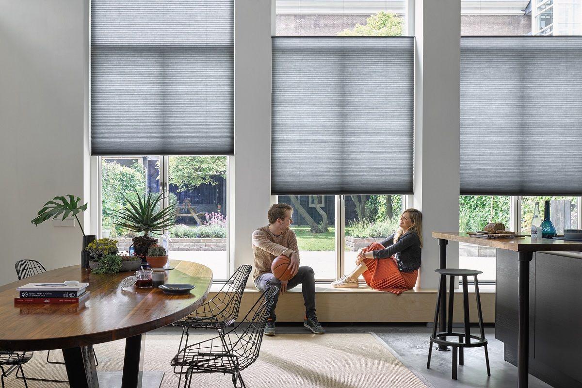 Luxaflex Nieuwe Collectie Duette Shades Raamdecoratie Raambekleding Woonkamer Rood