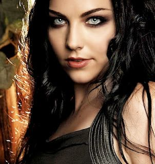 Amy Lee, Evanesence. I admire her, even if I find myself questioning her at times.