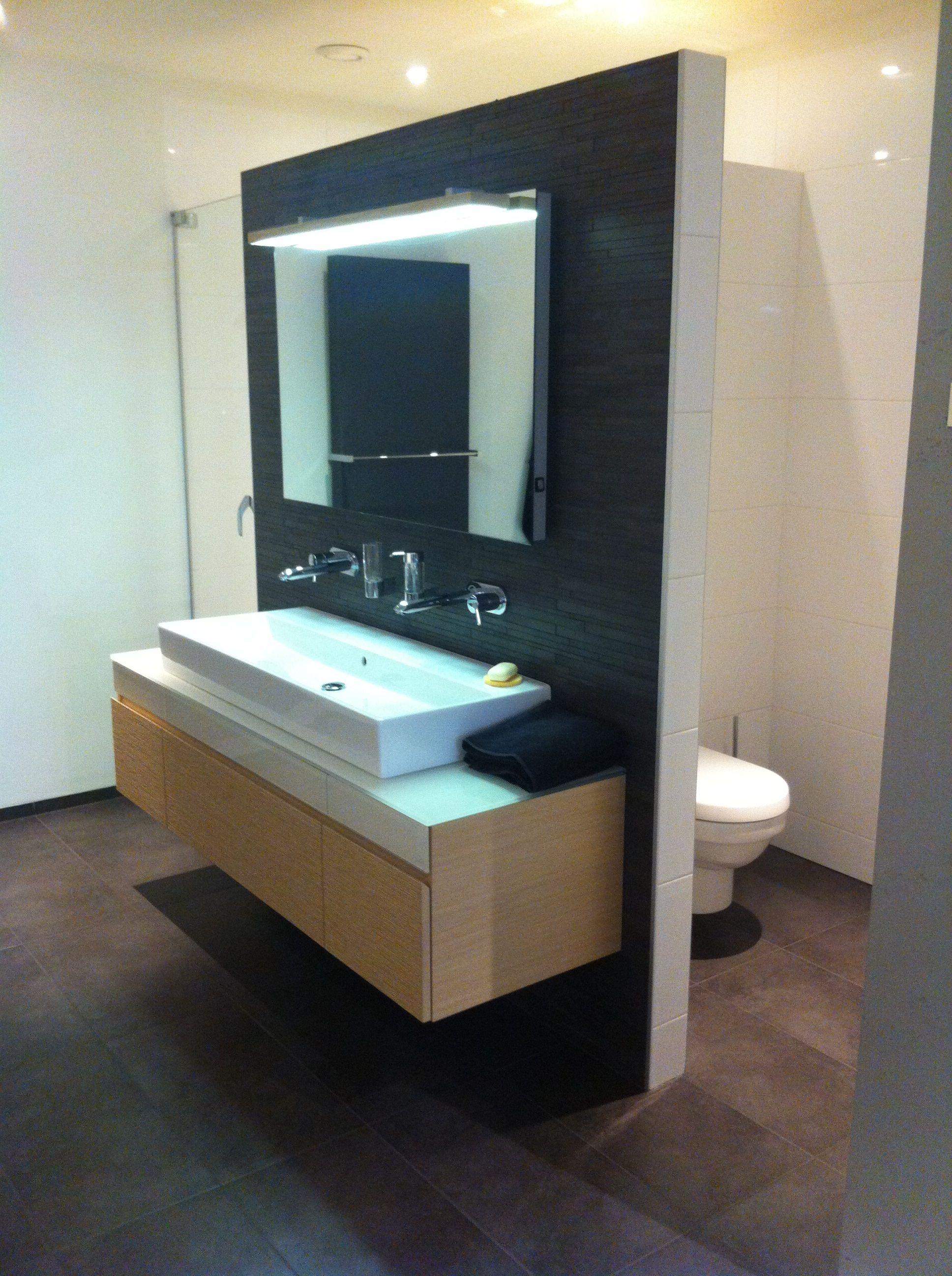 Opstelling badkamer, met scheidingswand