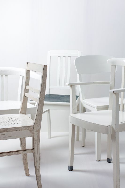Holzstühle Weiß holzstühle paula vintage weiss mismatching verschiedene vintage
