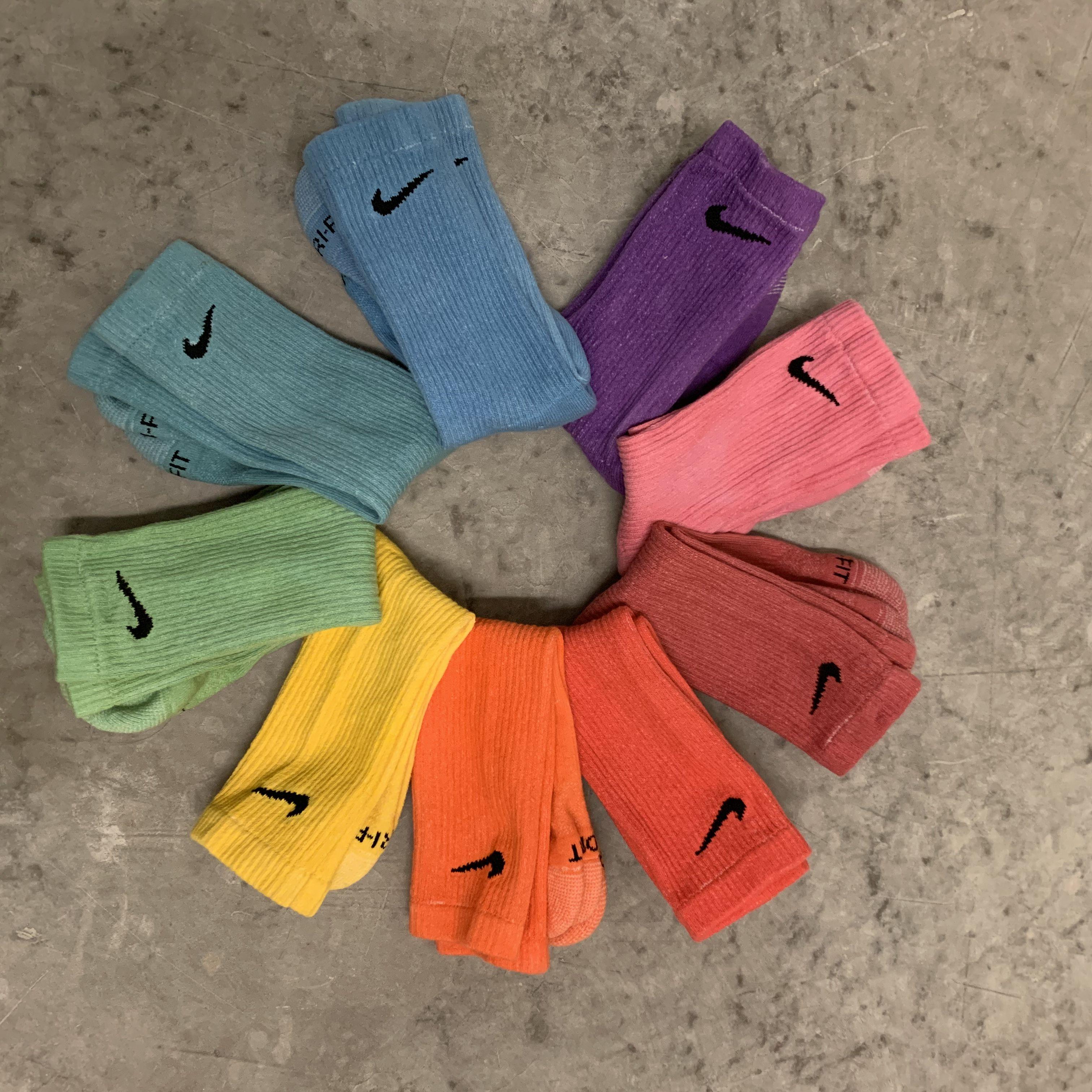Tiempo de día Invertir Mejor  Nike one color wonder socks 3-Pack made to order dyed nike   Etsy   Sock  outfits, Tie dye socks, Stylish socks