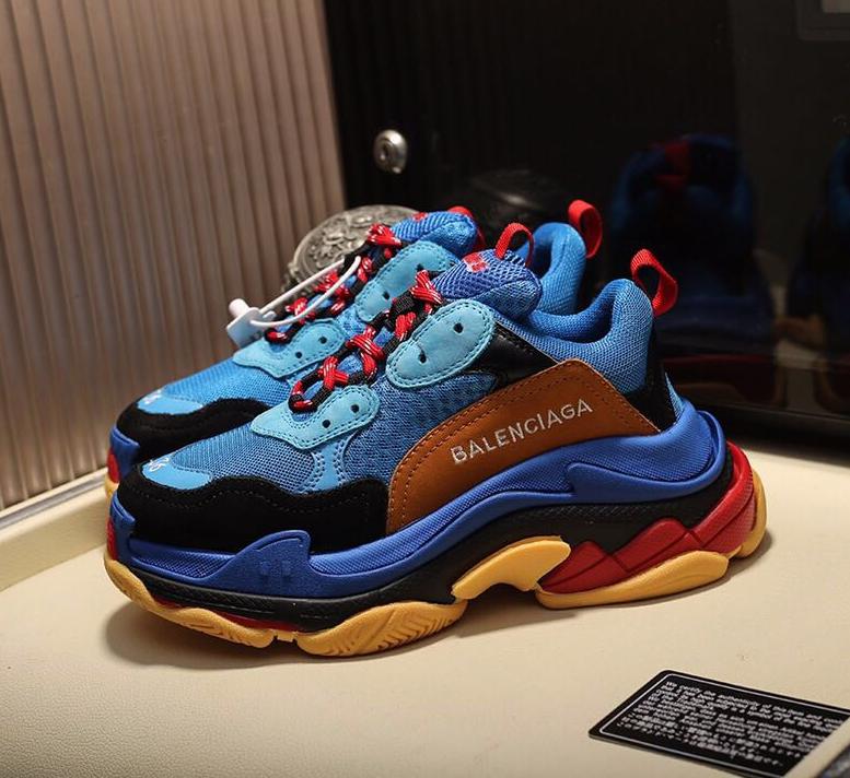nuevo estilo para toda la familia últimos diseños diversificados 190.00 USD Balenciaga AAA Couple Triple S Sports Shoes ...