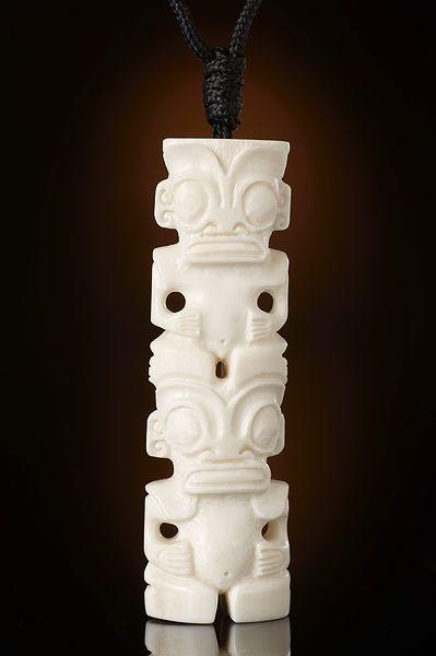 Tiki von den Marquesas in doppelsitzender Form aus Pferdeknochen | Fundinsel Shop