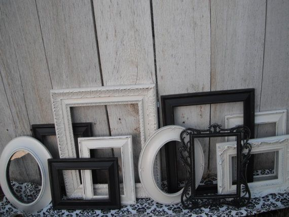 Love these vintage picture frames for a wall collage | HOME LOVE ...