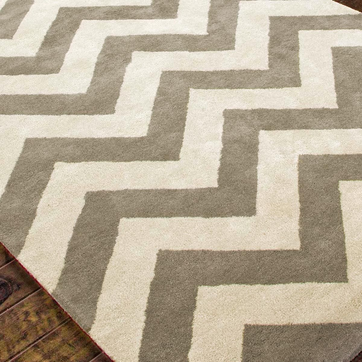 Plush Wool Chevron Rug In Stone Gray