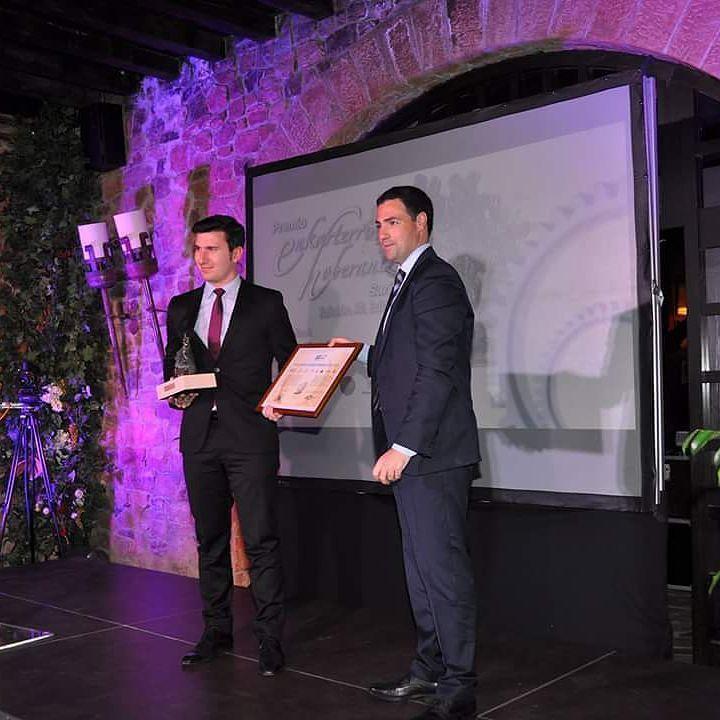 Vibacar recibe el XII premio Enkarterri Hoberantz... ;) #carretillas #premio #maquinaria #empresa by vibacar
