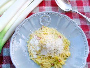 Baked leek and saffron orzotto