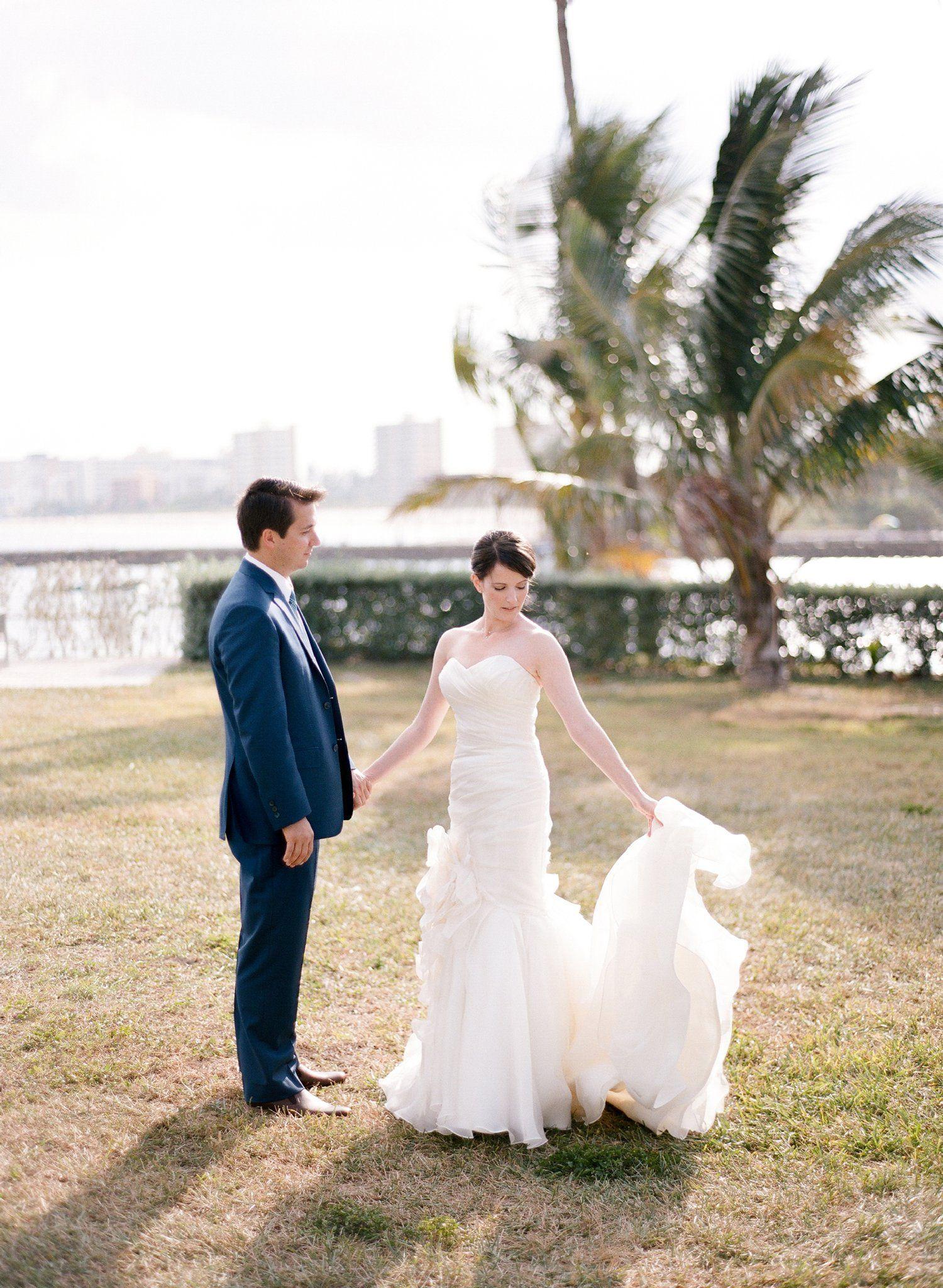 Tropical and modern hillsboro club wedding wedding inspiration