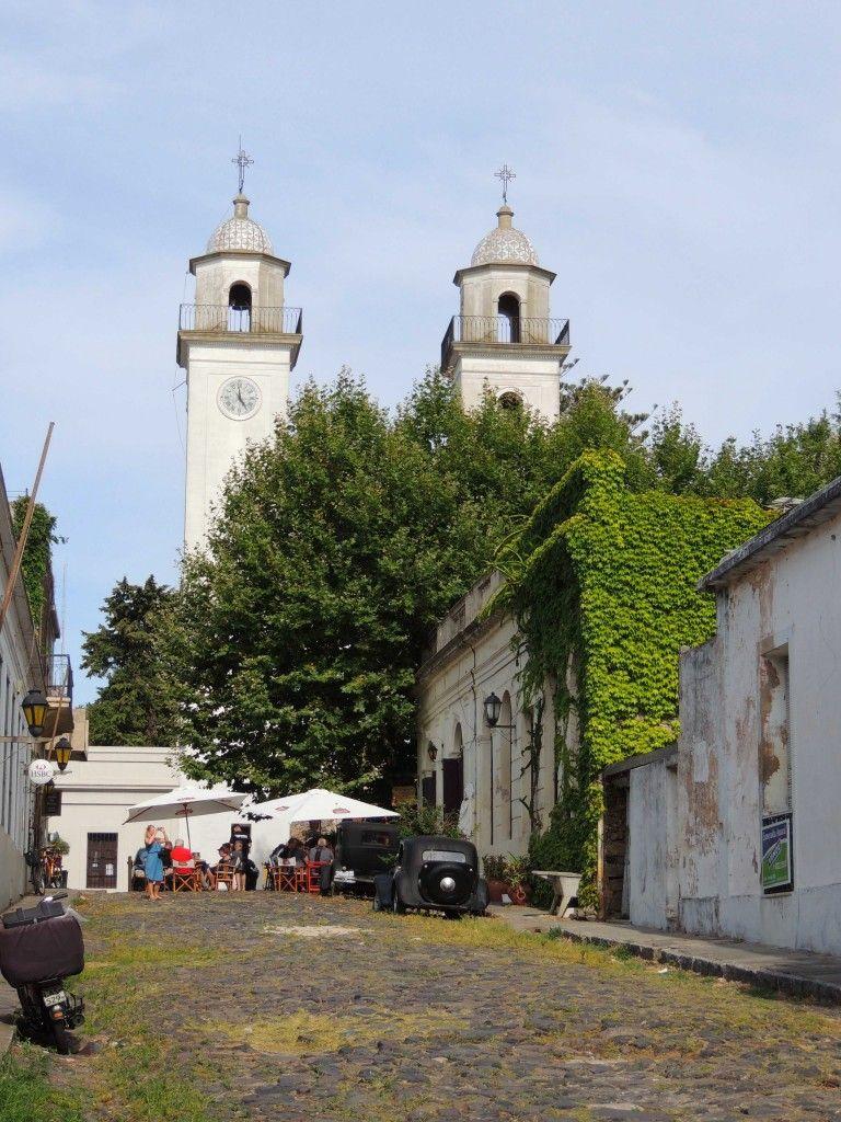 Calle que va a la Iglesia del Santísimo Sacramento