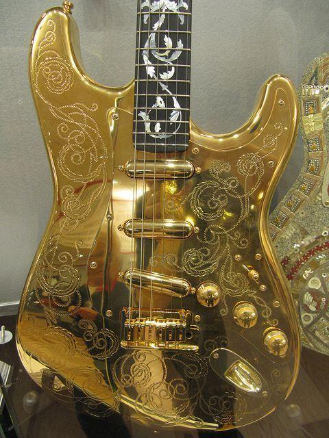 Custom Gold Fender Guitar #customguitars #FenderGuitars | classic ...
