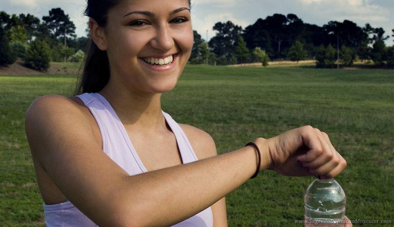 Beber Água Para Definir o Corpo Feminino ➡ https://segredodefinicaomuscular.com/10-dicas-para-definicao-muscular-feminina/  Gostou? Compartilhe com suas amigas...  #EstiloDeVidaFitness #ComoDefinirCorpo #SegredoDefiniçãoMuscular