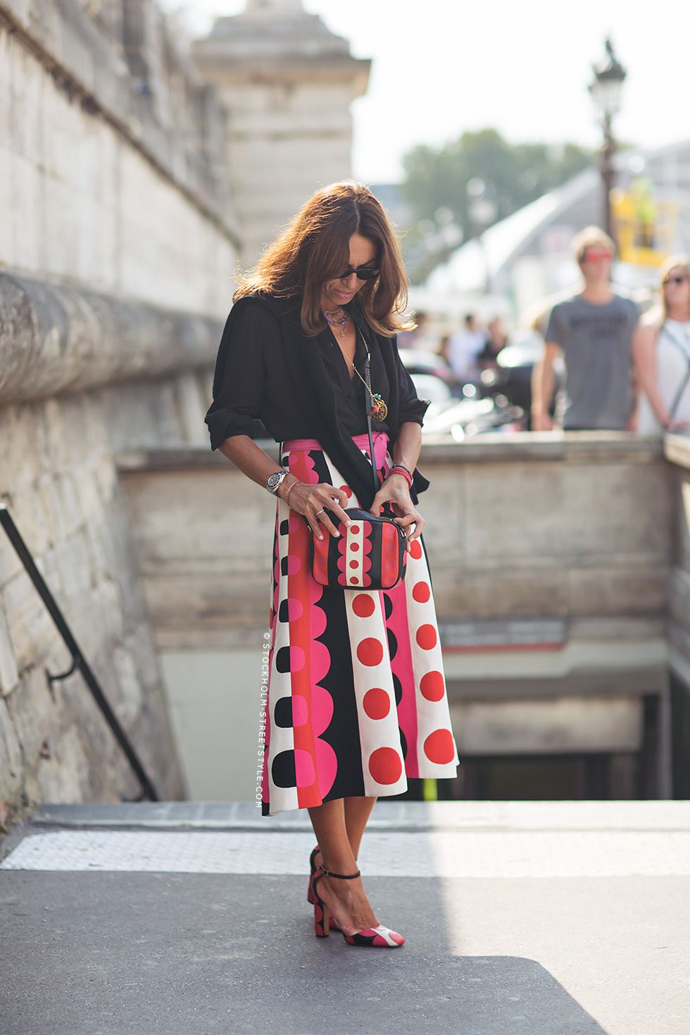 Oh, love her skirt, shoes, messenger bag, her all outfit! via Carolines Mode | StockholmStreetStyle