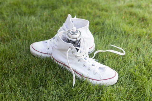 How to Waterproof Converse | Converse, Diy converse