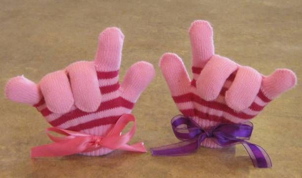SO CUTE!!! Fantastic idea for the other mitten that WASN'T eaten by the washing machine
