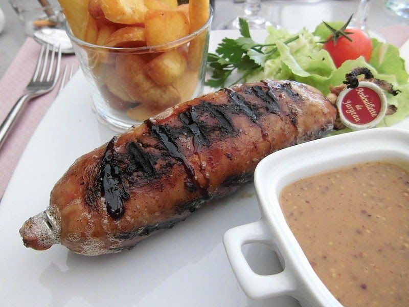 Recette d 39 andouillettes marin es grill es la po le au barbecue ou la plancha cuites au - Champignon de paris a la poele ...