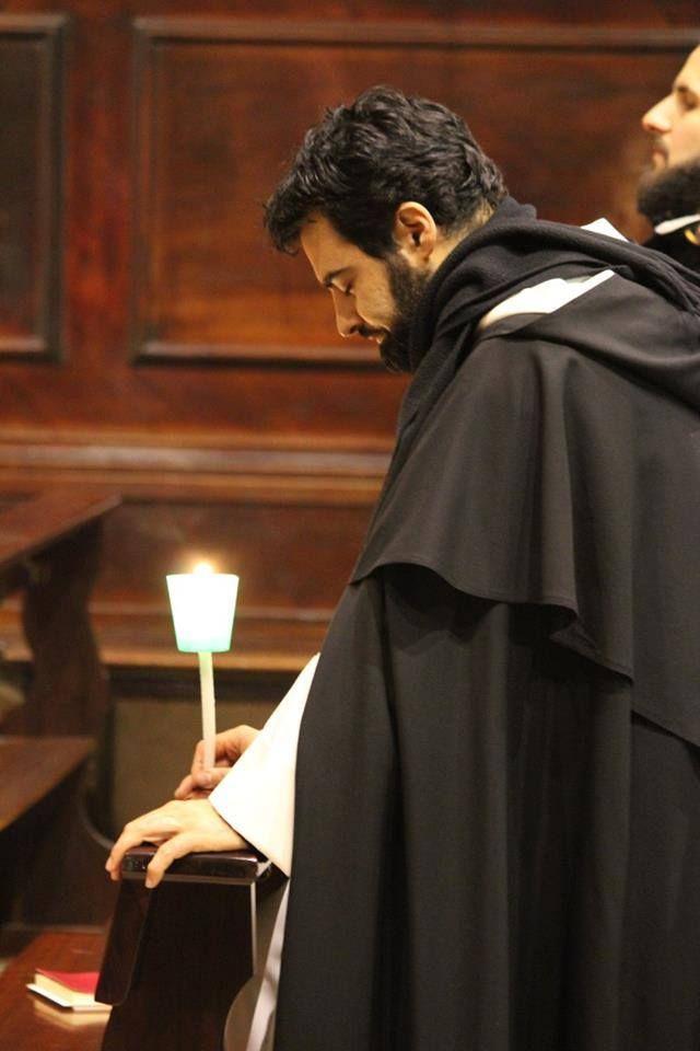 Vitae Fratrum  Preghiera per tutte le persone che a noi sono ricorse — presso l'Arca di San Domenico.