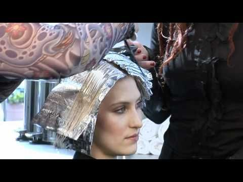 Platinum Card Hair Lightening Technique Has Been Beautifying Blondes And Creative Colors For Deca Hair Color Formulas Diy Highlights Hair Hair Color Techniques