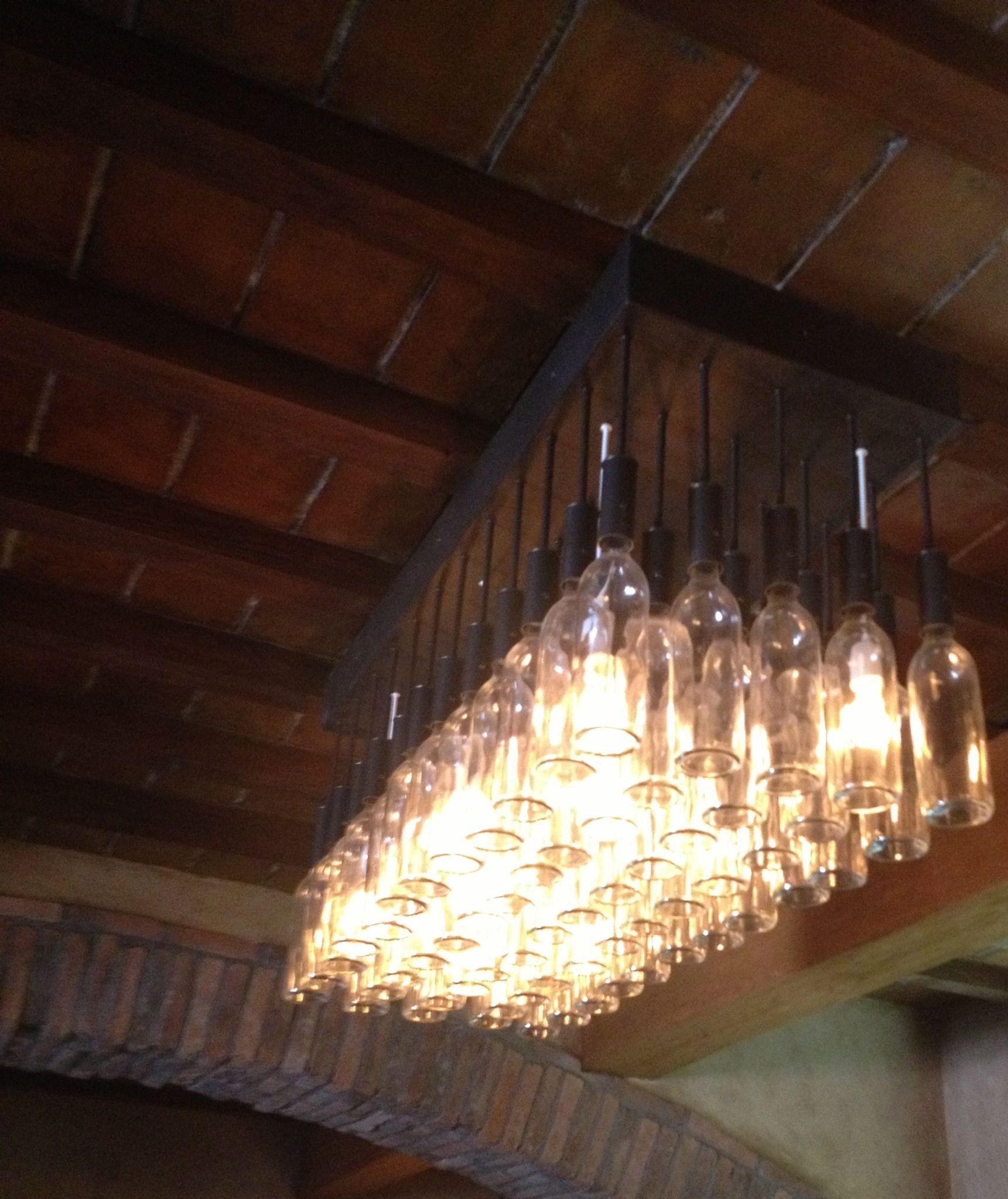 luminaires id es d coration avec accessoires vin cave vin accessoire vin et luminaire. Black Bedroom Furniture Sets. Home Design Ideas