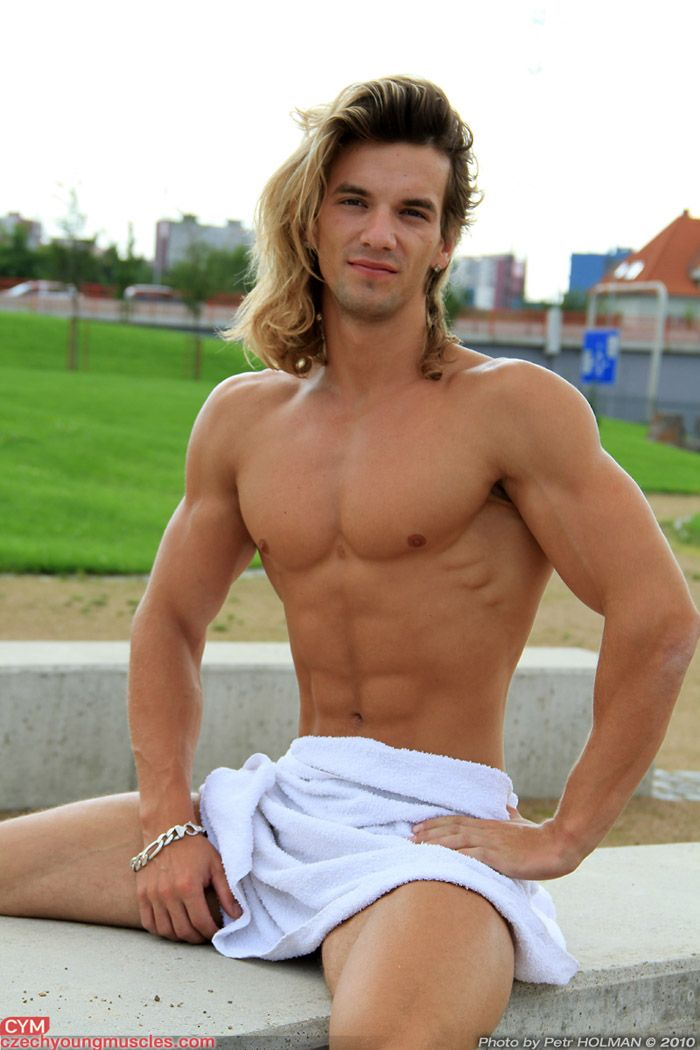 gay boy long hair muscle pic