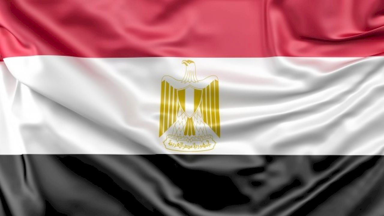 أين تقع هليوبوليس الجديدة Egypt Flag Egypt Red Color Background