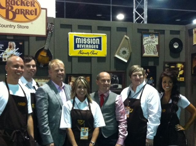Dailey Vincent Take A Couple Of Pictures With Cracker Barrel Employees Fun Day Barrel Cracker Barrel Dailey