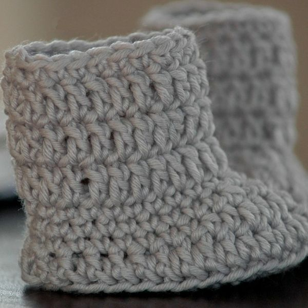 Free Baby Boots Crochet Pattern | Crochet | Pinterest | Molde, Bebé ...