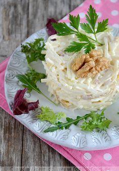 """Einer der berühmtesten Salate in der Winterzeit ist der """"Waldorfsalat""""."""
